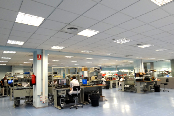 Wide range equipment manufacturing room