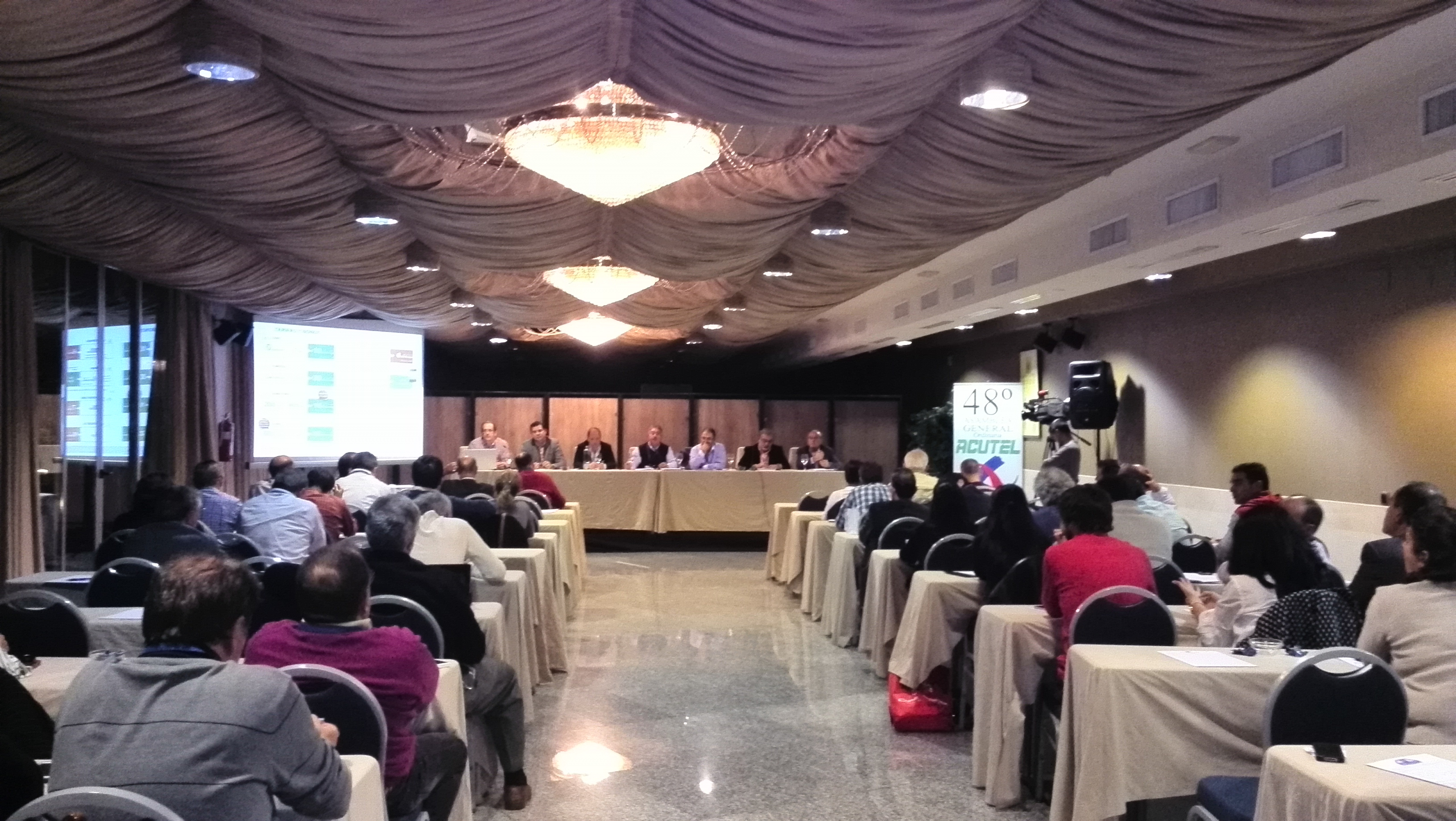 Imagen de una conferencia en la edición XXX